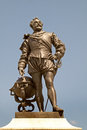 Statue of francis drake sir whose stands on pymouth hoe in devon england is most remembered for his part in defeating the spanish Stock Photo