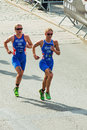 Stockholm aug katie hewison and vicky holland from great britain running in the womens itu world triathlon series event in Royalty Free Stock Photos