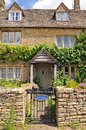 Stone cottage lower slaughter pretty in the centre of the village cotswolds gloucestershire england uk western europe Stock Photos