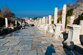 Straße in den Ruinen von altem Ephesus. Stockfotos