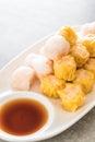 Stream shrimp dumplings with sauce