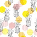 Summer fresh outline pineapple Seamless pattern with hand drawi