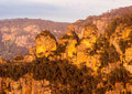 Sunrise from sublime point in blue mountains australia rising sun illuminates three sisters overlooking the majestic near sydney Stock Photography