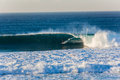 Surfa rider big wave excitement Arkivfoto