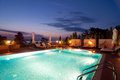 Swimmingpool des Luxushotels Lizenzfreie Stockfotos