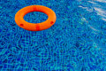 Swimmingpool mit poolring Stockfoto