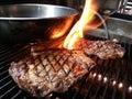 T bone steak gillsing verryhot Stock Photos