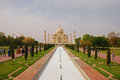 Taj mahal with the pool and garden reflecting Stock Photography