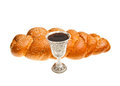 Tazza di kiddush e del challah Immagine Stock