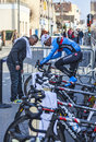 Teamwork houilles france march rd a cyclist from garmin sharp team discuss with a member of the technical staff during the warming Royalty Free Stock Photo