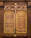 Ten commandments in the sanctuary of the christopher wren s church of st mary the virgin within the national churchill museum in Stock Photos