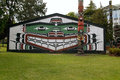 Thunderbird park victoria bc canada indian totem pole and lodge Stock Photos