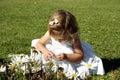 Niño en jardín