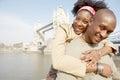 Toeristenpaar in londen met kaart Stock Foto's