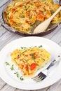 Tomates courgette et poatoes cuits au four avec le thym et le parmesan Image stock