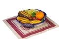 Tortas dulces fruta en un florero pintado en el estilo de Fotos de archivo