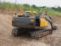 Tracked excavator that use to excavate ground Royalty Free Stock Photography
