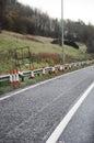 Traffic kottar på sidan av vägen Arkivfoton