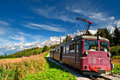 Tramway de montagne dans les Alpes. La France. Image stock