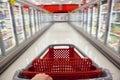 Trolley för supermarket för blurrörelseshopping Arkivfoto