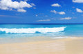 Tropical beach blue sky and clear water Stock Photography