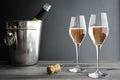 Twee glazen van rose pink champagne Royalty-vrije Stock Foto's