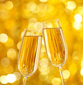 Two glasses of champagne Royalty Free Stock Photos