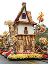 U.S. Bank's 2011 Rose Bowl Parade Float Stock Image
