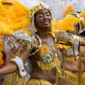 Un danseur dans le carnaval de Notting Hill, Londres Photo libre de droits