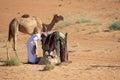 Un uomo ed il suo cammello Fotografie Stock