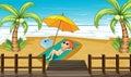 Une fille prenant un bain de soleil au rivage Photographie stock