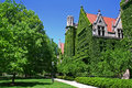 University of chicago campus ivy clad halls against blue sky the Royalty Free Stock Photos