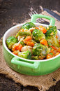 Vegetable stew in green pan Royalty Free Stock Photos