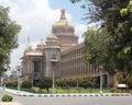 Vidhana f�r lopp f�r bangalore destinationssoudha Arkivbild