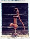Vieille pompe à eau, transfert d'image polaroïd Photos libres de droits