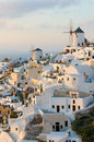 Villaggio di Oia all'isola di Santorini, Grecia Fotografia Stock