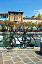 Ville de bord de lac de Desenzano Photo stock