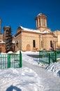 Vinter i Bucharest - gammal domstolkyrka Arkivfoton