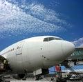 Vliegtuig dat voor vertrek voorbereidingen treft Stock Foto