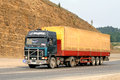 Volvo f chelyabinsk region russia september green semi trailer truck at the interurban road Stock Photography