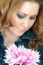 Vrouw met bloem Stock Foto