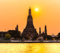 Wat arun bangkok thailand at sunset Royalty Free Stock Photos