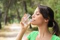 Agua en vidrio
