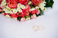 Wedding bouquet with rings Royalty Free Stock Photo