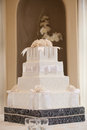 Wedding cake with white flowers Royalty Free Stock Photos