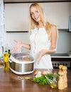 Žena varenie
