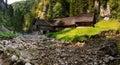 Dřevěný starobylý vodní mlýn