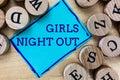 Slovo dievčatá noc von