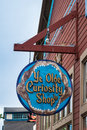 Ye olde curiosity shop entrance in seattle sing above the to the a souvenir on central waterfront of it was founded ni and owned Royalty Free Stock Images