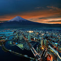 Picture : Yokohama city surreal view storm in retro